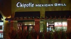 Ventura County health officials say at least 60 customers reported feeling sick after eating at a Chipotle restaurant in Simi Valley last week.