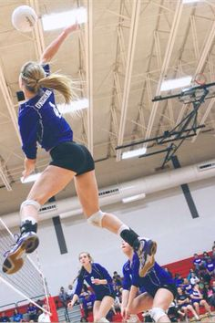 High School Girl's Volleyball in Texas