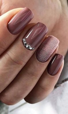 Trendy Manicure Ideas In Fall Nail Colors;Purple Nails; Trendy Manicure Ideas In Fall Nail Colors;Purple Nails; Shiny Nails, New Year's Nails, Purple Nails, Fun Nails, Purple Hues, Purple Sparkle, Square Nail Designs, Fall Nail Designs, Acrylic Nail Designs