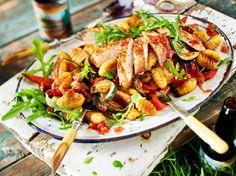 Unser beliebtes Rezept für Antipasti-Gnocchi-Salat mit Putenschnitzel und mehr als 55.000 weitere kostenlose Rezepte auf LECKER.de.