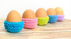 Crochet this Easter egg cozy pattern by Petals to Picots. Why do eggs need cozies? To keep them at just the right soft boiled temperature.