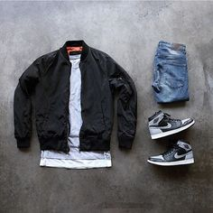 Bomber Jacket / Basic Neutral Color / Blue Jeans / Black Jeans The post Bomber Jacket / Basic Neutral Color / Blue Jeans / Black Jeans appeared first on Best Jeans. Dope Outfits For Guys, Swag Outfits Men, Stylish Mens Outfits, Casual Outfits, Hype Clothing, Mens Clothing Styles, Street Clothing, Mode Streetwear, Streetwear Fashion