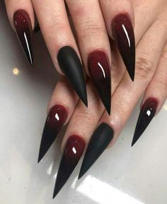 Goth Nails, Red Nails, Pastel Nails, Bling Nails, Goth Nail Art, Grunge Nails, Ongles Goth, Nail Art Rouge, Anel Harry Potter
