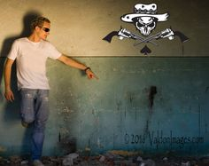 Skull and crossed guns wall decal vinyl decals by ValdonImages #gothic…