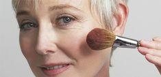 Этот дневной макияж поможет скрыть возраст: мастер-класс и рекомендации