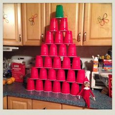 elf-on-the-shelf-solo-cup-tree