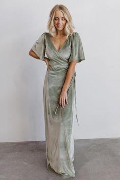 Maxi Wrap Dress, Dress Up, Velvet Bridesmaid Dresses, Green Maxi Dresses, Sage Green Maxi Dress, Sage Dresses, Green Bridesmaid Dresses, Bride Dresses, Beautiful Dresses