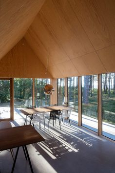 Cottage designed by RUBOW architects Plywood Interior, Modern Barn House, Backyard Studio, Tree House Designs, Weekend House, Cabins And Cottages, House Extensions, Cottage Design, Glass House