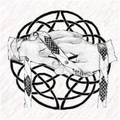 Looking for a non-traditional wedding ceremony? How about handfasting, an ancient Celtic wedding custom that is beautiful and meaningful. Handfasting is not just for Wiccan or pagan weddings. Wiccan Wedding, Wedding Rituals, Celtic Wedding, Irish Wedding, Wedding Altars, Mabon, Samhain, Scottish Wedding Traditions, Scottish Weddings