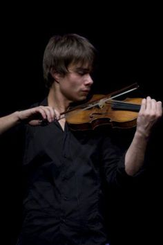 Alexander Rybak. I WILL play like him someday.