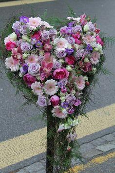 Funeral Flower Arrangements, Funeral Flowers, Floral Arrangements, Fresh Flowers, Beautiful Flowers, Sympathy Flowers, Happy Art, Flower Designs, Floral Wedding