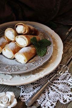 Mascarponés-túrós palacsinta - Kifőztük, online gasztromagazin Hungarian Cuisine, Cannoli, Pretzel Bites, Crepes, Soul Food, Camembert Cheese, Main Dishes, Pancakes, Goodies