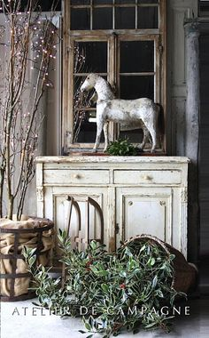 Atelier de Campagne French distressed brocante home interior shabbychic French Country Cottage, French Country Style, Cottage Style, Shabby Cottage, Cottage Chic, French Decor, French Country Decorating, Armoire Buffet, Sideboard