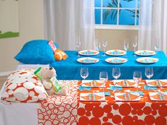 Slumber Party Table--LOVE this!