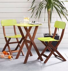 bright patio bistro set http://rstyle.me/n/ivzgvr9te