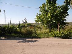 Centrale, terreno di oltre 1 ettaro, edificabili mq 620 ricadenti in zona R4 del vigente Piano Regolatore.  € 80.000