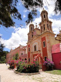 Ex-hacienda Gogorrón, San Luis Potosí, México.  Photo: Lucy Nieto, via Flickr
