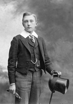 boy with top hat The Magicians Nephew, Steampunk, Good Habits, Gentleman Style, Vintage Photographs, Victorian Era, Art World, Youth, Boys