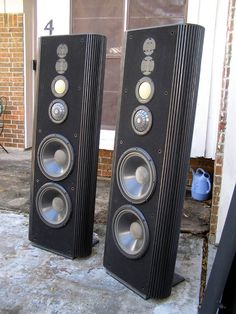 Black-and-white Audio Speakers Record Player High End Speakers, Big Speakers, Sound Speaker, Home Speakers, High End Audio, Audiophile Speakers, Speaker Amplifier, Hifi Audio, Audio Design