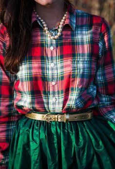 I would so love to own an emerald green skirt like this! I shall have to keep my eyes open for one now. Would be such a fun addition to my holiday wardrobe. #Christmas #holidayoutfit #plaid