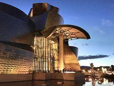 #Bilbao, capitale dei Paesi Baschi, in Spagna, vive una seconda vita grazie all'attrattore culturale che si è creato grazie al Museo Guggenheim aperto nel 1997. Con la crisi economica della metà degli anni '70 che mise in ginocchio la sua industria navale e siderurgica, questa città che vive intorno al fiume, per anni è stata…