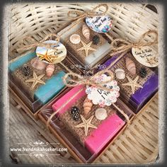 Our fragrant gift soap models decorated with seashells Source by The post Wedding Candy Models appeared first on Soap. Rustic Theme Party, Wedding Candy, Wedding Games, Candy Models, Soap Packing, Homemade Wedding Gifts, Homemade Soap Recipes, Kid Party Favors, Home Made Soap