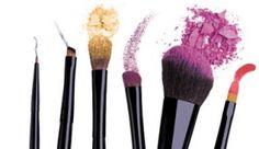 Hoe vaak maak jij je make-up spullen schoon? Lees onze blog met tips op: http://www.ikzoekeenschoonmaakster.nl/blog/hoe-vaak-maak-jij-je-make-spullen-schoon/