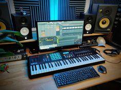 Home Studio Setup, Music Studio Room, Home Office Setup, Home Recording Studio Equipment, Recording Studio Design, Home Basketball Court, Home Music Rooms, Music Courses, My New Room