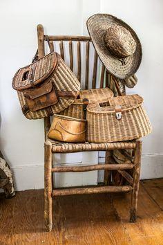 Vintage Cabin, Vintage Baskets, Vintage Fishing, Displaying Collections, Basket Decoration, Living Room Decor, House Design, Chair, Antiques