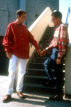 Stevie(Glen Berry)&Ste(Scott Neal)hands_Beautiful Thing.