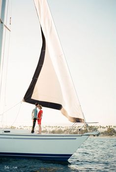 I've always wanted to go sailing!<3