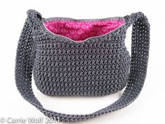 How to insert a zipper and line a crochet purse tutorial ❥Teresa Restegui http://www.pinterest.com/teretegui/ ❥