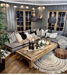 This idea for your living room makeover can only be found if you are the believe. - Home DecorThis concept in your front room makeover can solely be discovered in case you are the believer of the bohemian model thought. The look of the room has. Home Living Room, Living Room Designs, Living Toom Ideas, Hippie Living Room, Relaxing Living Rooms, Spare Living Room Ideas, Living Room Makeovers, Interior Design For Living Room, Gray Couch Living Room