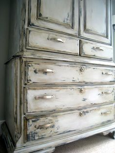 Hey Jamie thought you might like some of these idea's How to...Annie Sloan Chalk Paint - The Lilypad Cottage