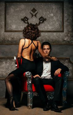#photo #photoshoot #photoset #foto #love #lovestory #story #studio #fashion #red #black #man #men #woman #women #sexy #dark #фотосессия #лавстори #студия #фотосессиявстудии #пара #идея #идеядляфотосессии #idea #suit #dress #фото