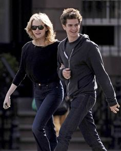 How cute are Emma Stone and Andrew Garfield?