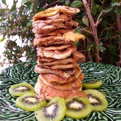 Big pancakes tower for mee  #pancakes #pancake #pancaketower #pancaketime #pancakelover #proteinpancakes #oat #healthyfood #healthy #healthybreakfast #breakfast #eatclean #eatingfortheinsta #eathealthy #cleanfood #carbs #saudavel #glutenfree #comerlimpo #comerbem #protein #iifym #fitfam #daily ( # @danielalancinha)