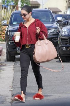 Vanessa Hudgens in Parker Smith Lazy Outfits, Cute Casual Outfits, Casual Dresses, Vanessa Hudgens Style, Star Fashion, Womens Fashion, Jeans Style, Spring Summer Fashion, Celebrity Style