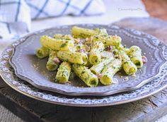 Denny Chef Blog: Pasta con pesto leggero di spinaci, guanciale e pane