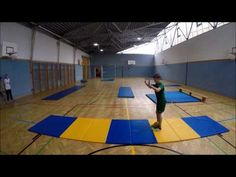 Rolle vorwärts- Stationen- Sportunterricht - YouTube Will Turner, Exercise For Kids, Kids Gym, Youtube, Basketball Court, Kids Fitness, World, School, Sports