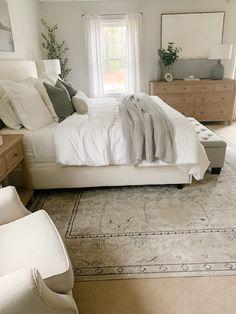 Master Bedroom Design, Home Decor Bedroom, Bedroom Ideas, Dream Home Design, Home Interior Design, Apartment Decoration, Light Bedroom, My New Room, House Rooms