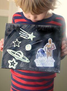 Make an interactive (and glow in the dark!) Star Wars play scene! ad #BigGCereal #StarWarsTheForceAwakens