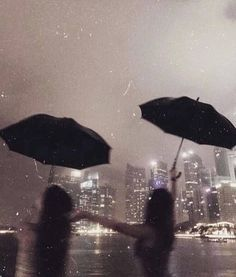 Image discovered by Mati. Find images and videos about girl, vintage and aesthetic on We Heart It - the app to get lost in what you love. Night Aesthetic, City Aesthetic, Couple Aesthetic, Aesthetic Photo, Aesthetic Pictures, Summer Aesthetic, Best Friend Pictures, Friend Photos, Photographie Indie