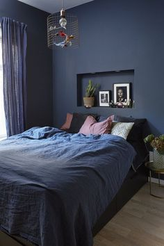 Deco Blue, Hanging Canvas, Blue Rooms, Bedroom Inspo, Master Bedroom, Home Improvement, New Homes, Layout, House Design