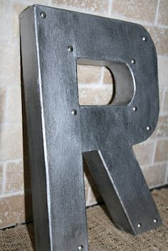 DIY Anthropologie knock off faux zinc/industrial metal letters-Tutorial. Diy Projects To Try, Home Projects, Home Crafts, Diy Home Decor, Diy Crafts, Creative Crafts, Diy Letters, Metal Letters, Alphabet Letters