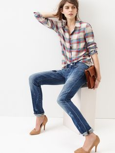 This is one of the many reasons why I love #denim. (And yes, I'm trying to win $1,500 @Madewell gift card too.). #denimmadewell #pinterestcontest  The tied shirt, the skinny jeans, the HEELS! And the clutch. Perfection!
