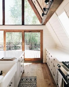 How sweet is this A-frame house in the mountains near Park City? Who needs to stay at a big hotel when you can zone out and rent this cute Airbnb. | Photo Credit: A-Frame Haus