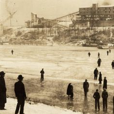 Cumberland River, near Nashville, frozen in 1940.