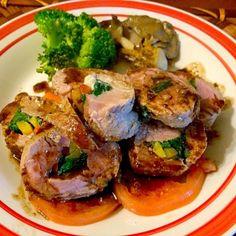 あちこち行ってたらご飯の時間レシピ調べる間も無く創作料理w フレンチイタリアン?!美味しく出来ました柔らかジューシー 美味しかったのでまた作ってみよう❗️同じく出来無いだろうなw - 81件のもぐもぐ - Pork fillet roasted balsamic source✨豚フィレロールのロースト バルサミコソース by Ami