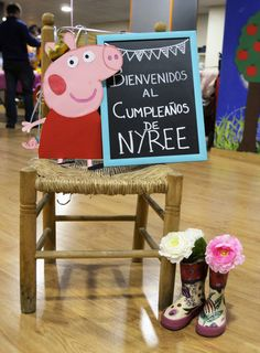 cumpleaños peppa pig Pig Birthday, Third Birthday, Kids Party Themes, Birthday Party Decorations, Cumple George Pig, Papa Pig, Aniversario Peppa Pig, Cumple Peppa Pig, Pig Party